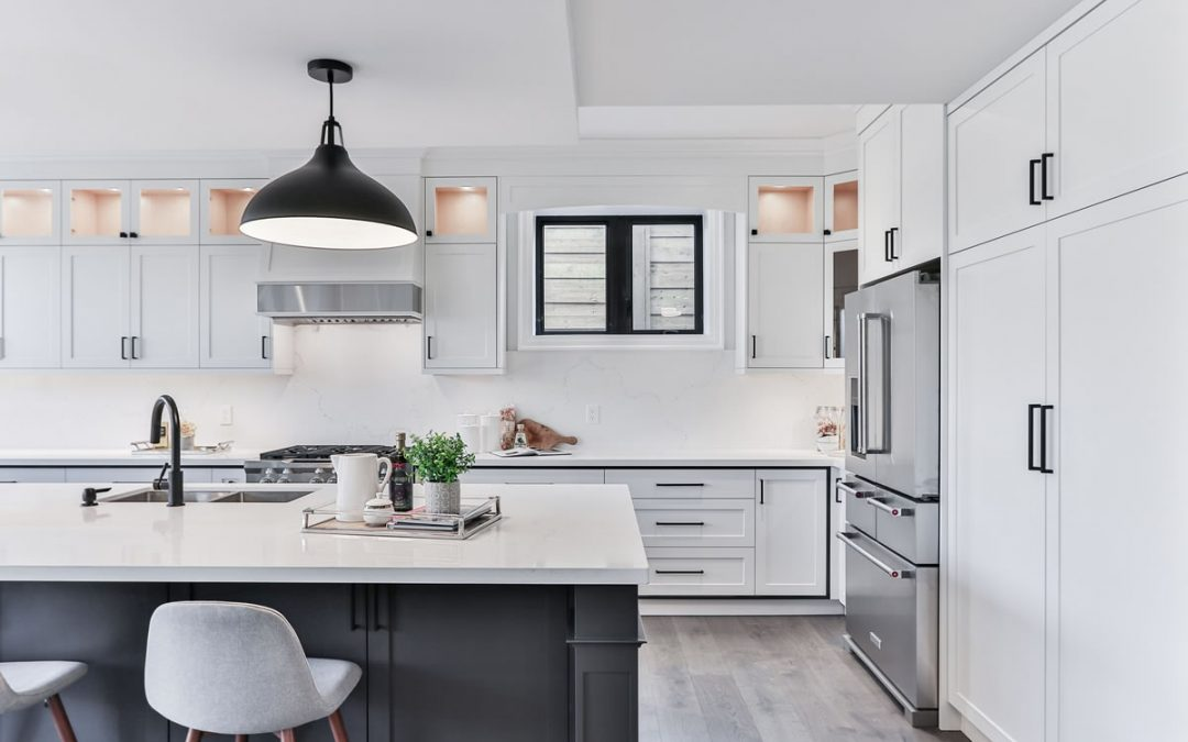 Inspiring Backsplash Ideas for White Kitchens